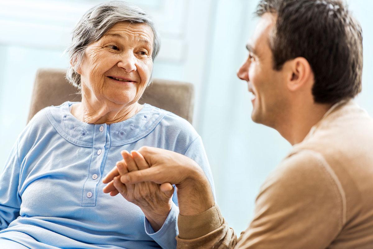 Опека над пожилым человеком – процедура оформления, необходимые документы